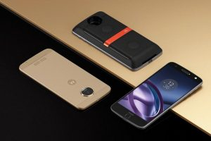 Motorola Moto Z против Samsung Galaxy S7: возвращение легенды?