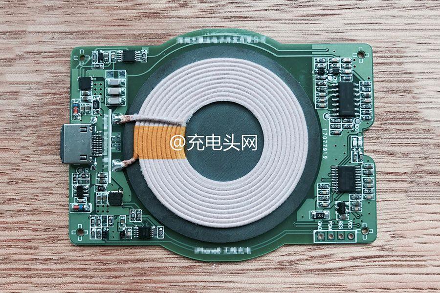 Apple-iPhone-8-wireless-charging.jpg
